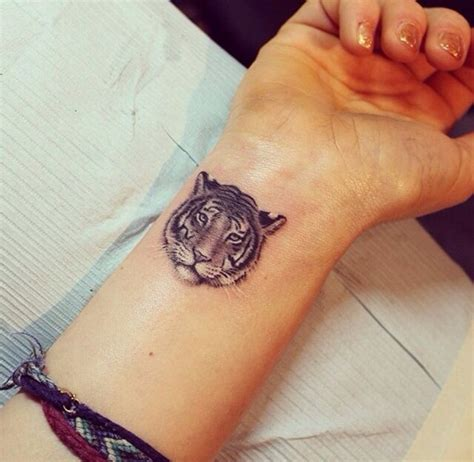 very small tattoos for girls 40 small ideas for