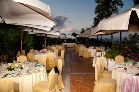 la terrazza napoli matrimonio a napoli allestrimento in terrazza con vista
