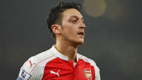 arsenal masters move over mesut arsenal have a new pass master in euro