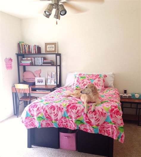 lilly pulitzer bedroom my new bedroom lilly pulitzer bedding taylorstorrer prep pinterest dark i want and the