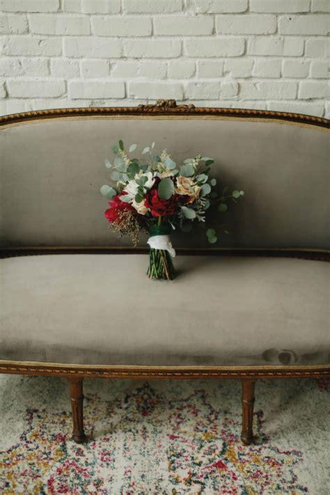 the victorian minimalist romantic beautiful minimal romantic minimalist wedding at one eleven east junebug