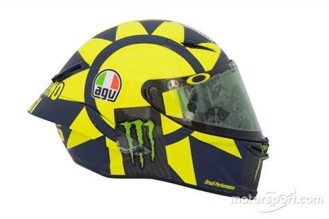 design helm rossi terbaru foto pamer helm baru valentino rossi terinspirasi formula 1