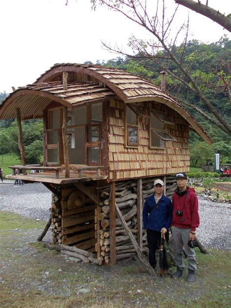 Information About Tinyhousepins Com Tiny House Pins Tiny House On Stilts