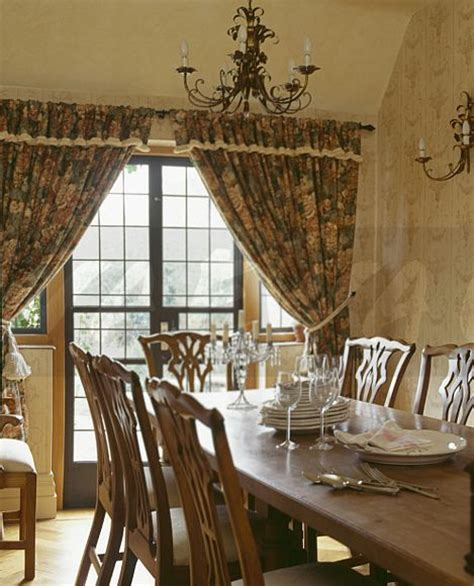image traditional country dining room with patterned