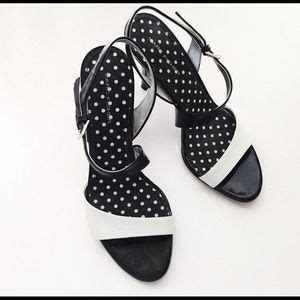 Joey O Black And White Flower Pumps by 60 O Neill Dresses Skirts O Neill Floral Skater
