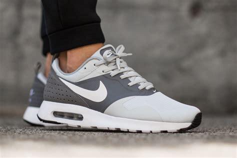 Nke Airmax nike air max tavas essential platinum sneaker bar detroit