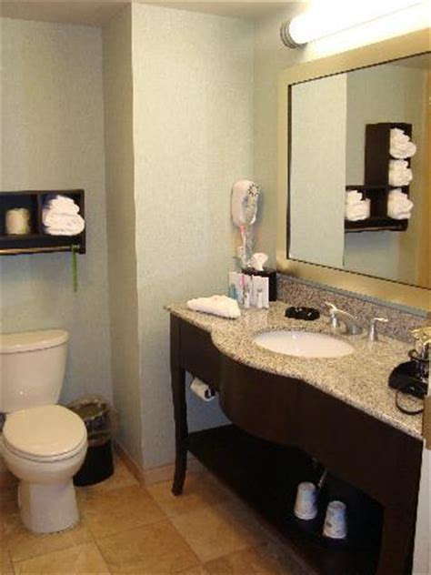 pics of nice bathrooms nice bathrooms picture of hton inn colby colby
