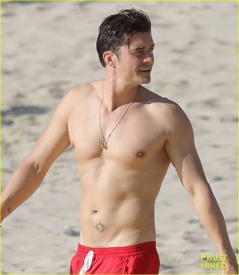 boarding orlando orlando bloom goes paddle boarding but keeps his shorts on photo 3876686 orlando