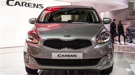 mpv car kia paris 2012 kia carens compact mpv live photos