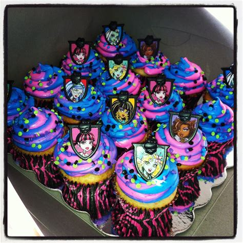 easy monster high cupcakes cupcake toppers bought  walmart bakery