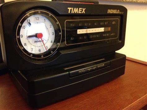 vintage timex indiglo am fm clock radio analog central ottawa inside greenbelt ottawa