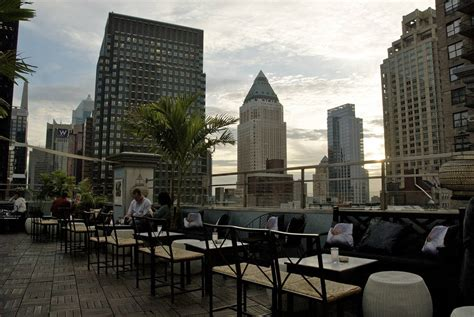 new york roof top bar a guide to new york s rooftop bars