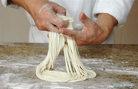 How To Make Handmade Noodles - lanzhou beef pulled noodle 1 chinadaily cn