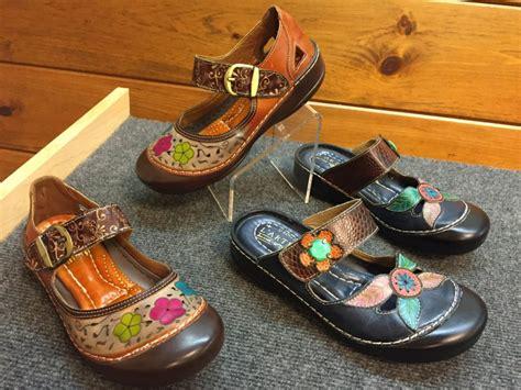 l artiste shoes step l artiste sandals