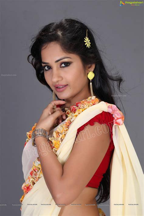 actress karuna ragalahari madhavi latha exclusive image 25 telugu heroines