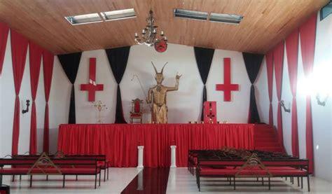 imagenes de iglesias satanicas iglesia sat 225 nica en quind 237 o adoradores de sat 225 n en