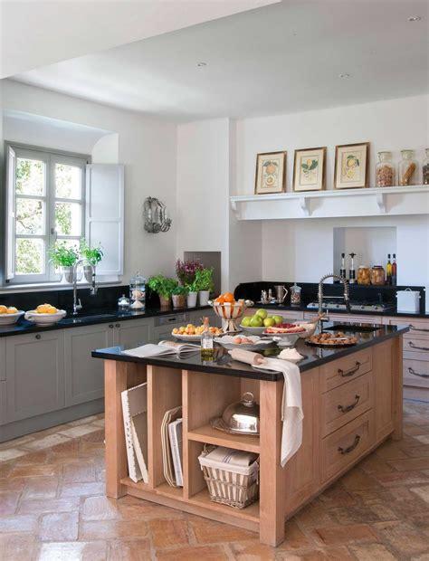 islas para cocinas cocina comedor con isla decoracion planos arco puerta