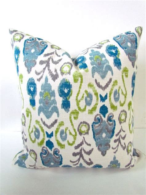 Get That Pillow Lipped Look Instantly With These Lip Plumper Tips by Best 25 Blue Throw Pillows Ideas On Living