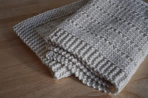 Easy Baby Blanket To Knit by Easy And Free Simply Beautiful Baby Blankets To Knit