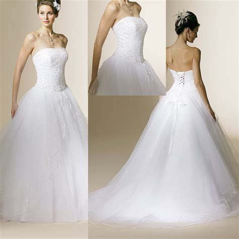 Elegante Hochzeitskleider by All About The Wedding Celebration Bridal Gown