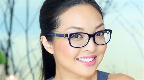 wearing glasses how to do your makeup if you wear glasses with pictures