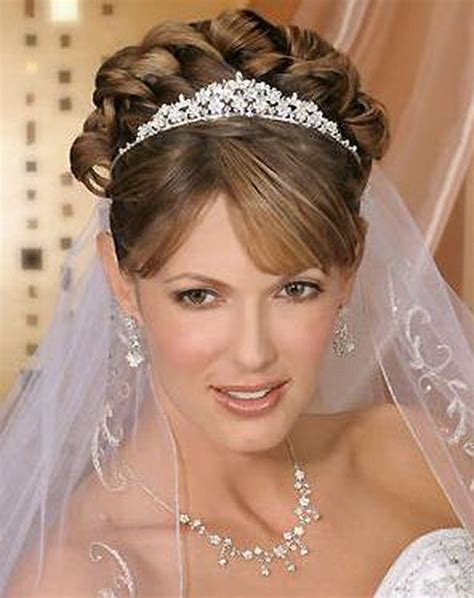 bridal hairstyles with veil and tiara 10 stylish accessories for mermaid wedding dresses