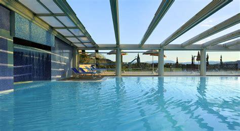 hotel con piscina interna toscana offerta san valentino in suite idromassaggio vicino siena