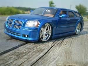 2005 Dodge Magnum Hemi 2005 Dodge Magnum R T Hemi Model Cars