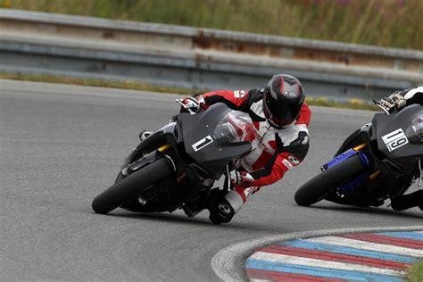 Rennen Motorrad Zu Verkaufen by Yamaha R Days Bei Gh Moto Mit 2h Rennen Motorrad Fotos