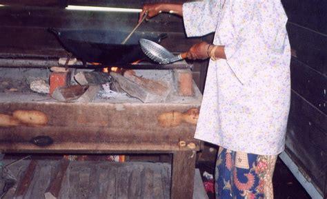 Sodet Kayu No 1 Ozone my rainbow memasak di dapur kayu