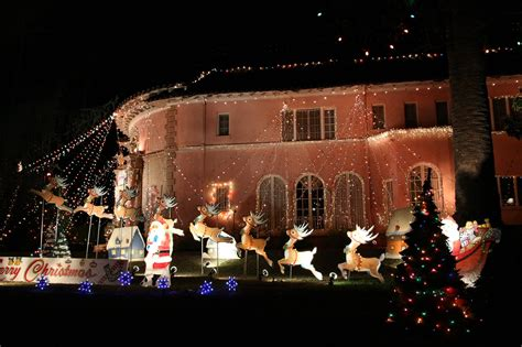 altadena ca the balian house and christmas tree lane
