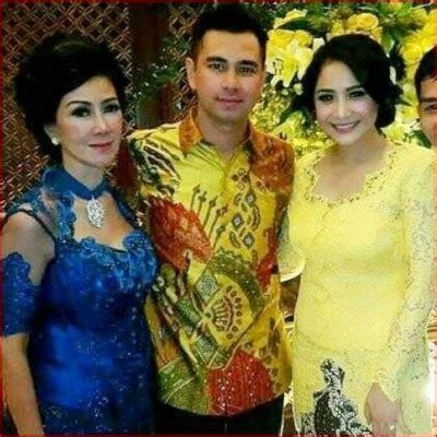 batik raffi kebaya batik combination wedding raffi ahmad and gigi