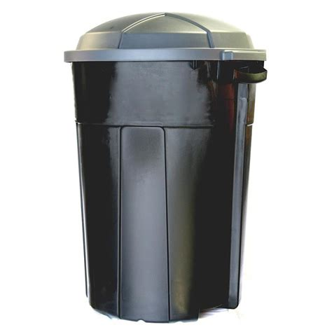 backyard garbage cans shop incredible plastics 32 gallon outdoor garbage can at