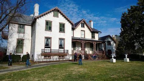 lincoln cottage dc visitors explore the lawn in front of president lincoln s