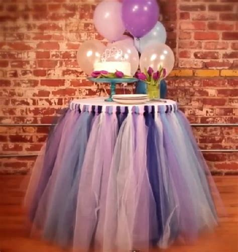 DIY Tulle Table Skirt   Bridal Shower Decorations