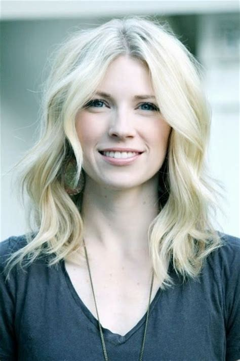 mid length blonde hairstyles 23 chic medium hairstyles for wavy hair styles weekly