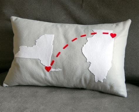 Long Distance Pillow Meme - 1000 ideas about long distance relationship pillow on