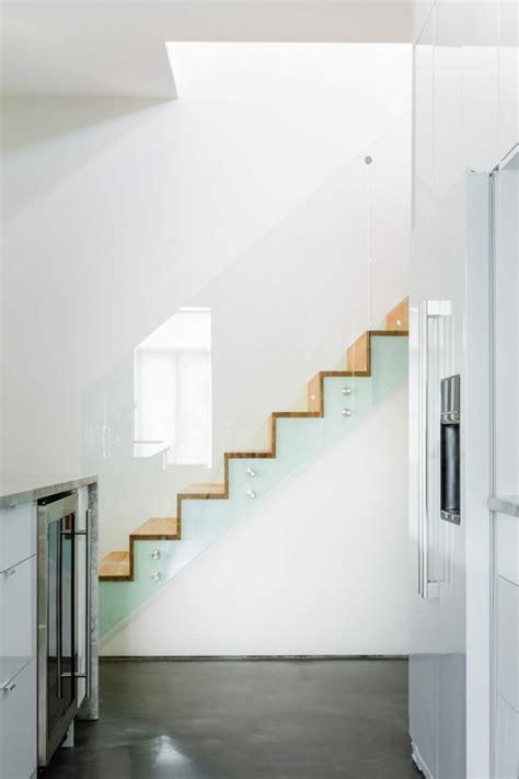 treppengeländer treppenhaus 40 treppengel 228 nder glas luftiges gef 252 hl im innendesign