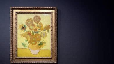 van gogh museum amsterdam zonnebloemen van gogh museum houdt zonnebloemen in huis nieuws nl