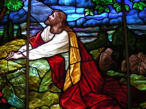 jesus praying  gethsemane christ praying   garden