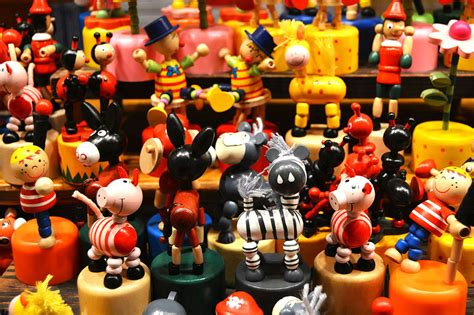 traditional german christmas gifts 10 classic gifts found at german markets