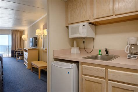hotels with kitchens in city md city maryland motel city md hotels flamingo motel