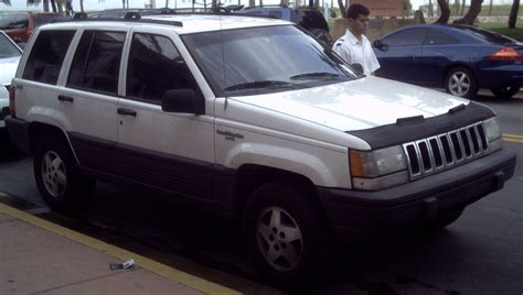 jeep grand laredo 95 file 93 95 jeep grand 4x4 laredo jpg
