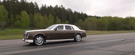 roll royce toyota rolls royce phantom vs toyota gt 86 drag race is david