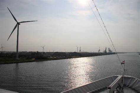 canal boat wind turbine amsterdam foto s getoonde afbeeldingen van amsterdam