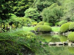 file shinjuku gyoen national garden dsc05107 jpg