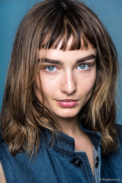 Should you get a haircut with short micro bangs?
