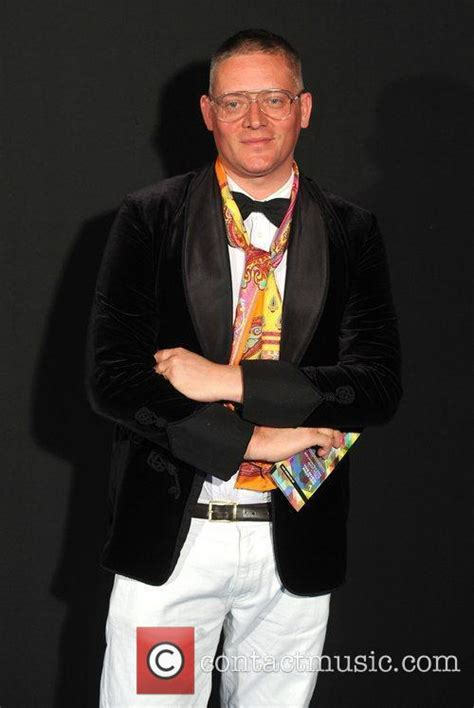 Giles Deacon 4 by Giles Deacon News And Photos Contactmusic