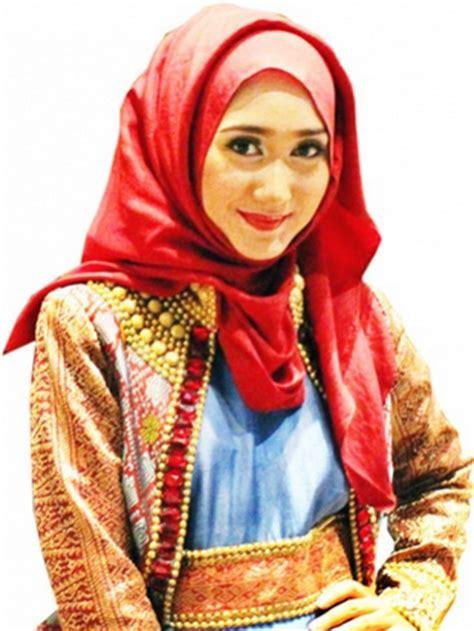 Model Jilbab Kerja Kreasi Model Modern Untuk Kerja