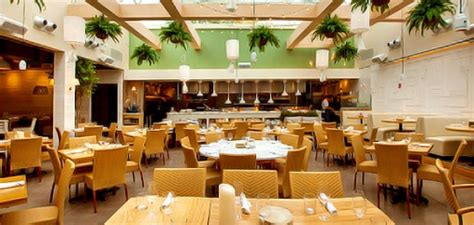 Summer House Chicago by Summer House Santa Chicago A Beachy New Spot In